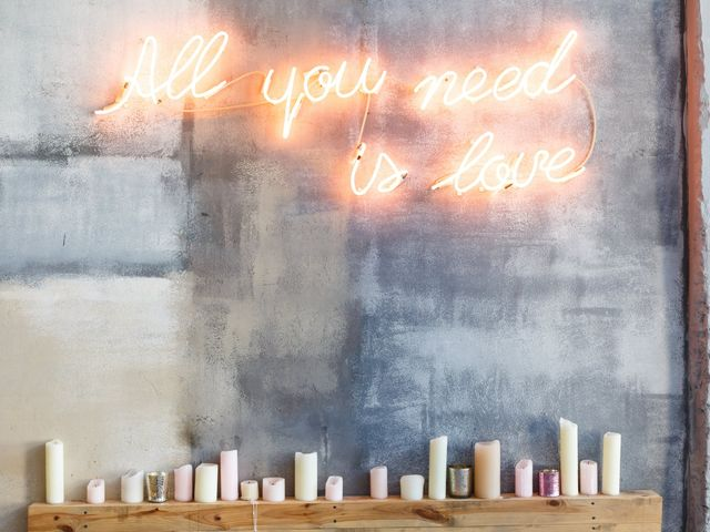 13 Wedding Sign Ideas to Personalize Your Decor