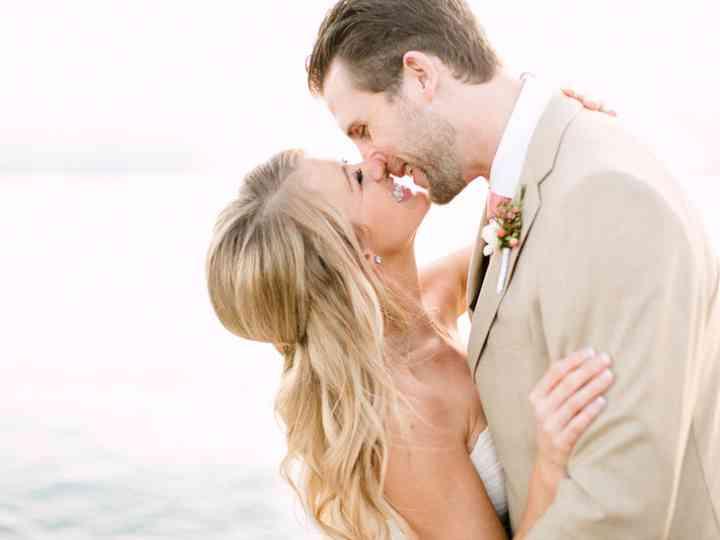 A Guide to Hampton Roads Weddings & Getting Married in Virginia