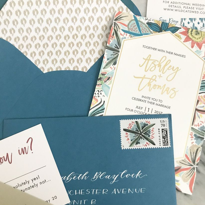The Wedding Invitation Trends 2019 Couples Must See Weddingwire