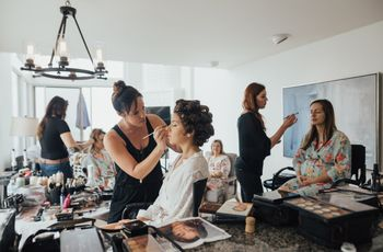 6 Reasons You Must Hire a Professional Makeup Artist for Your Wedding
