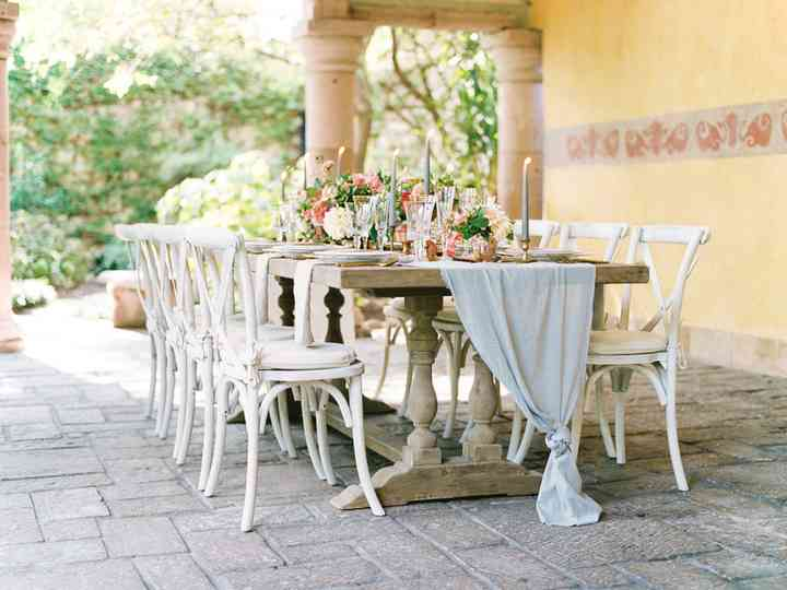 9 Intimate Small Wedding Ideas For An Extra Personal Big