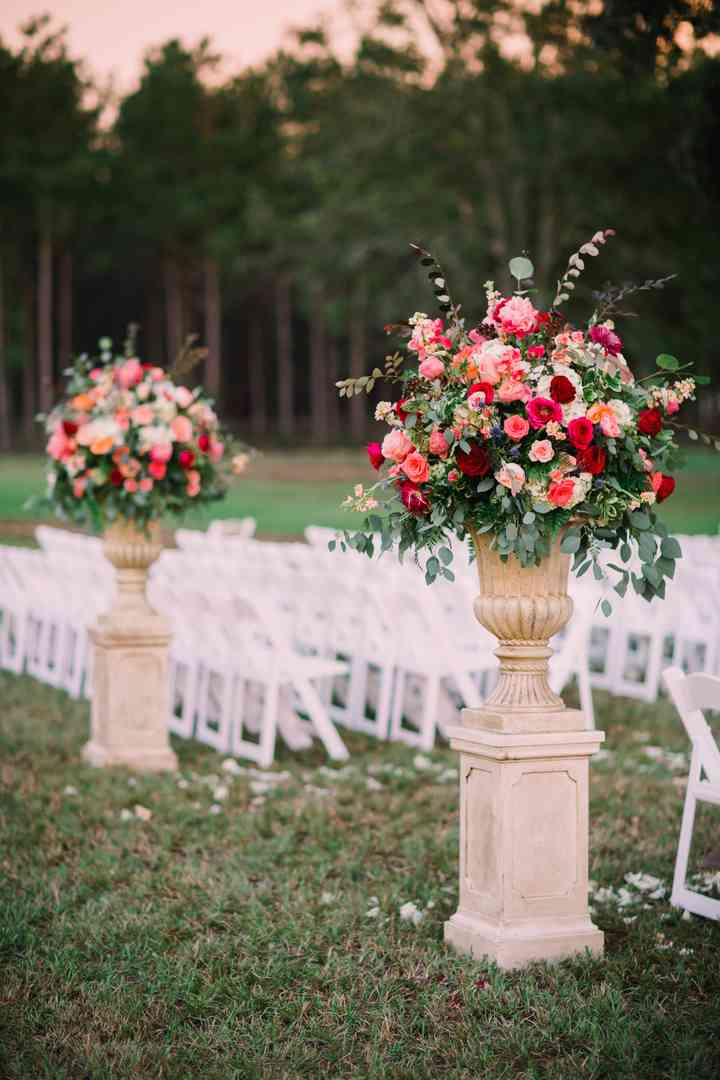 The 29 Wedding Flower Arrangements You Might Need On The Big Day Weddingwire