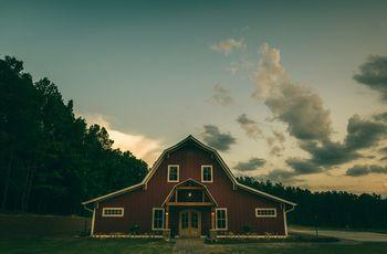 5 Rustic Barn Wedding Venues Near Raleigh, North Carolina