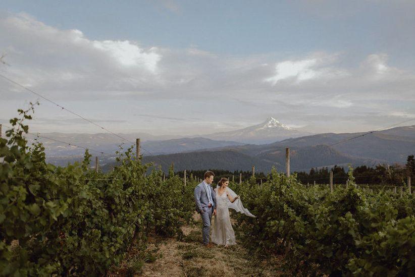 7 Oregon Winery Wedding Venues in the Willamette Valley - WeddingWire