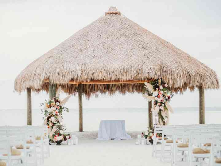 How to Do a Tampa Beach Wedding the Trendy Way