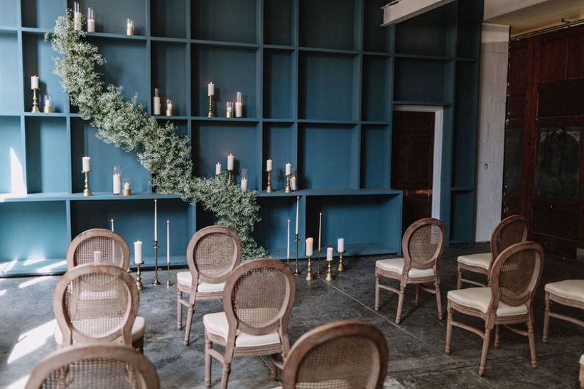 Stupendous 13 Types Of Wedding Chairs For A Stylish Big Day Weddingwire Download Free Architecture Designs Rallybritishbridgeorg