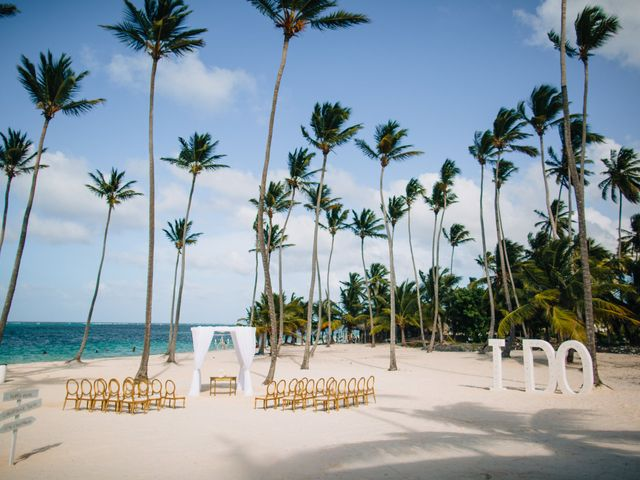 6 Dominican Republic Destination Wedding Venues for a Toes-in-the-Sand Event