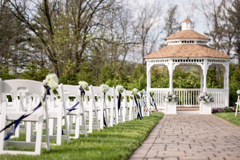 the farmhouse at the grand colonial wedding