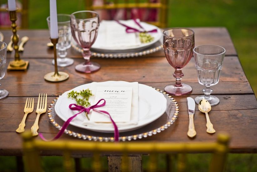 vineyard wedding decor place setting with velvet ribbon
