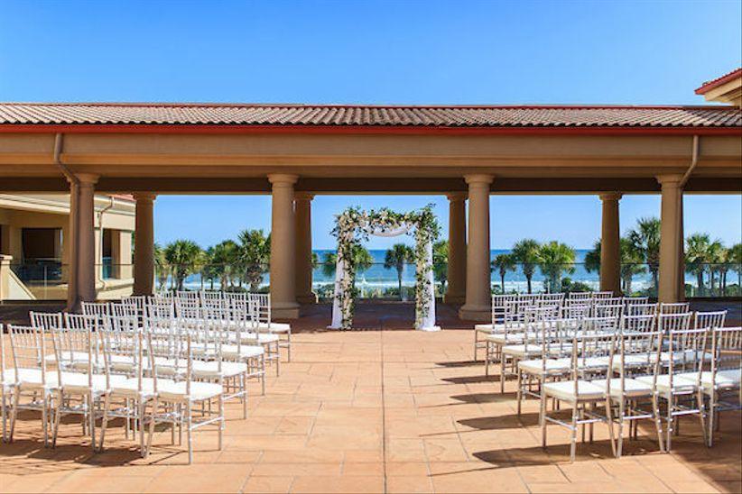 outdoor wedding ceremony at Myrtle Beach Marriott Resort overlooking the ocean