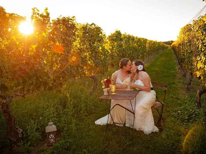 9 Long Island Vineyard Wedding Venues for Wine-Filled Celebrations