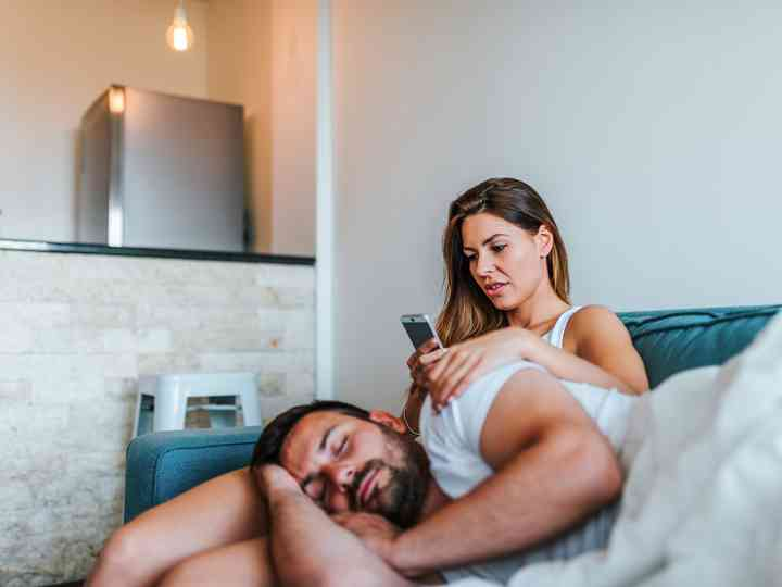 5 Signs Your Partner is Cheating on You