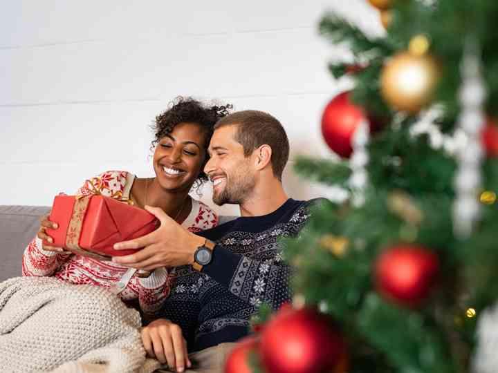 22 Thoughtful Christmas Gifts For Newlyweds Weddingwire