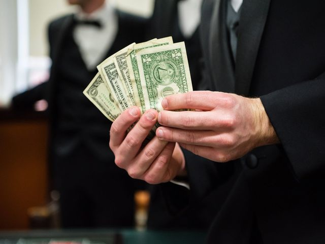 Here's How Much It ACTUALLY Costs to Attend a Wedding