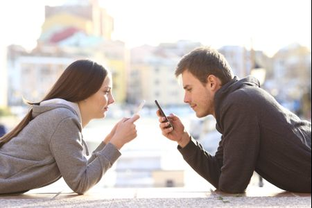7 Date Ideas That Don't Involve Screens