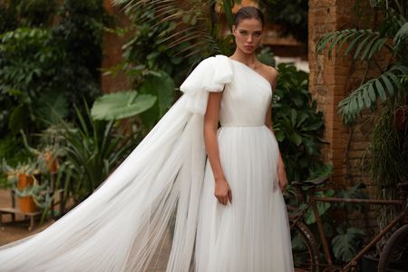 17 One-Shoulder Wedding Dresses for Every Type of Bride