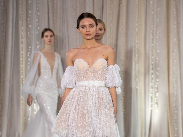 19 Ways to Rock the Pearl Wedding Dress Trend