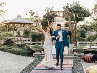 10 Questions to Ask a Videographer Before Hiring Them for Your Wedding
