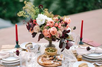 24 Winter Wedding Color Palettes for a Festive Celebration