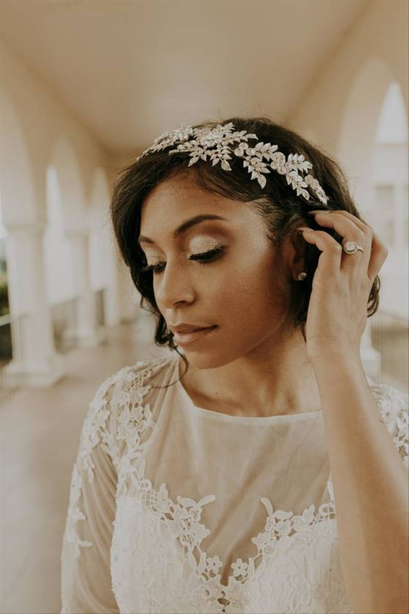bride with sparkly headband