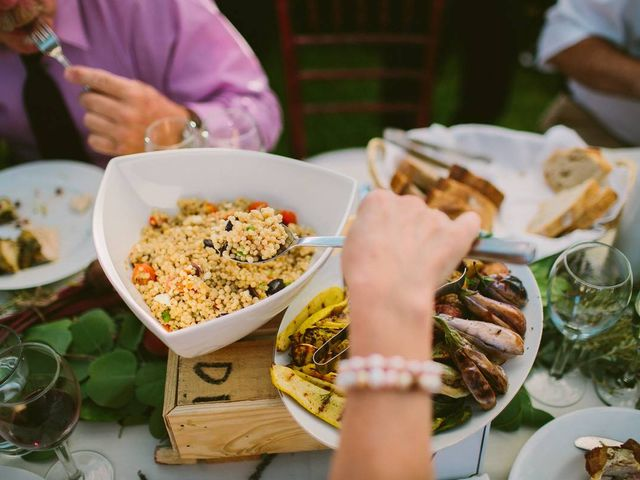 The Pros and Cons of a Family-Style Wedding Dinner