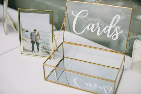 How to Ask for Cash Wedding Gifts, Tactfully