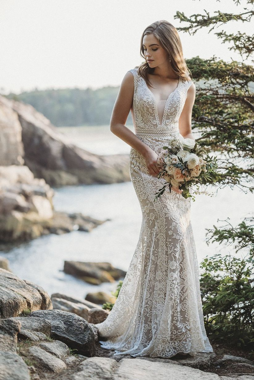 lace illusion wedding dress