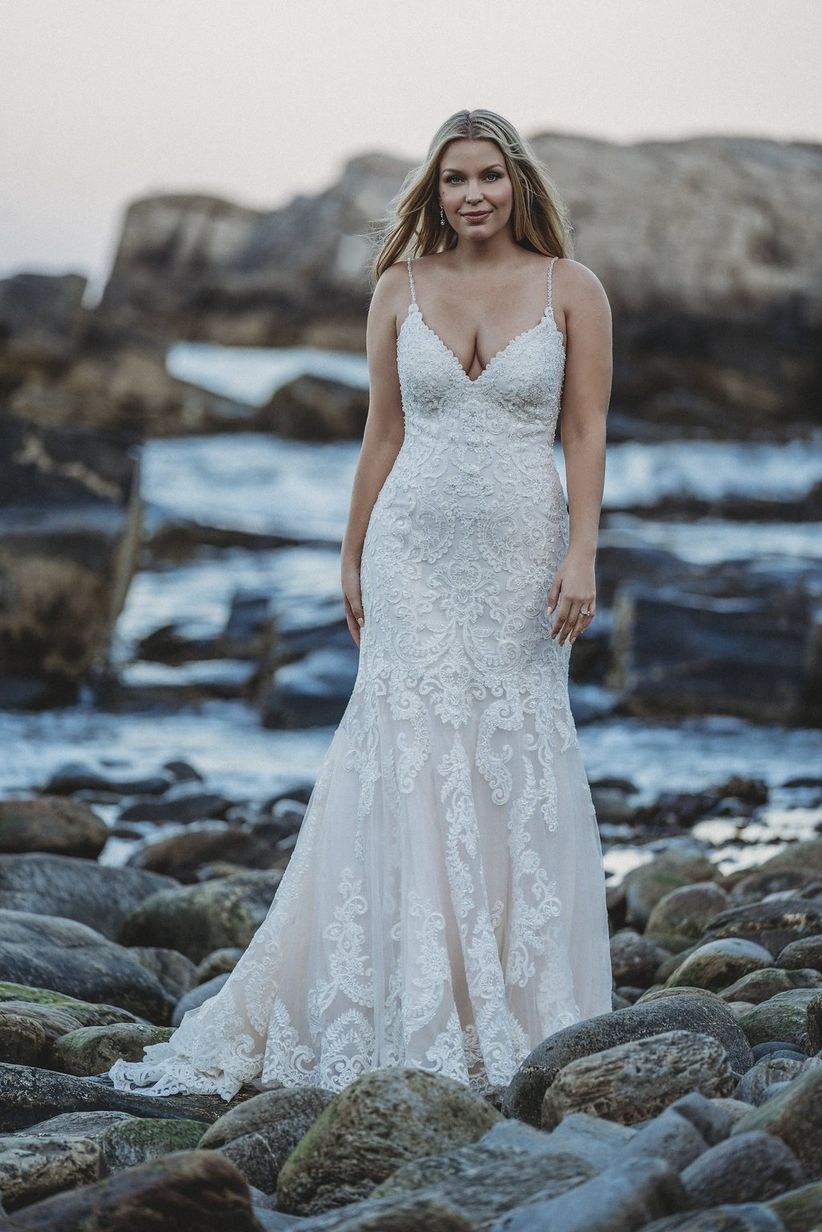 spaghetti strap lace wedding dress