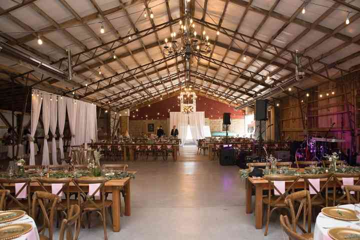 6 Rustic Barn Wedding Venues In Delaware For A Country Chic