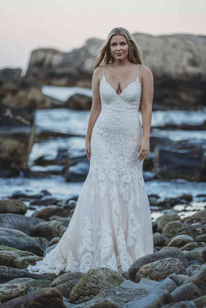 10 Wedding Gowns That Are Flattering On Basically Everyone