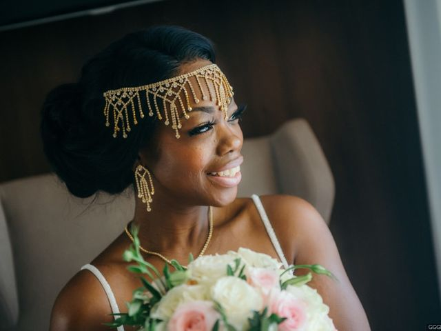 The 7 Hottest Bridal Hair Accessories For 2019