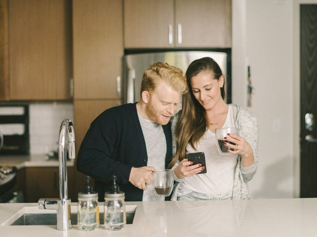 5 Things to Never Post to Social Media After Getting Engaged