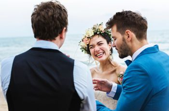 5 Wedding Ice Breakers to Help Make Small Talk with Guests