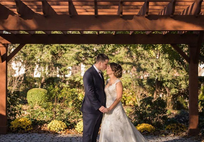 wedding couple outdoor garden portrait
