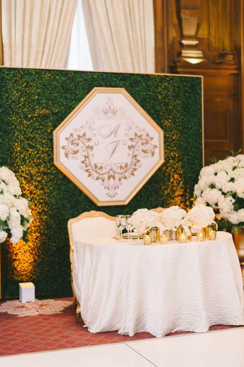 wedding moss photo backdrop