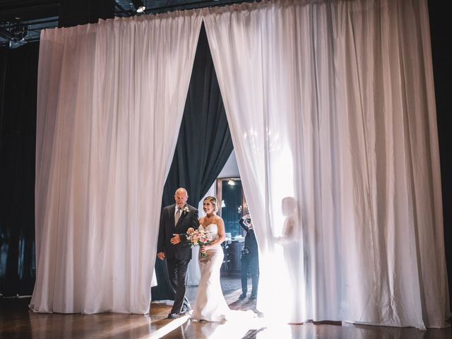 5 Ways to Calm Down Before Walking Down the Aisle