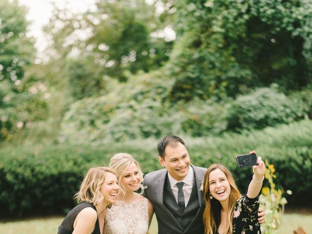 How to Rock Social Media at Your Wedding