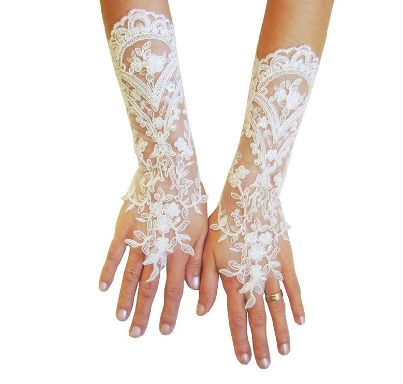 ivory lace gloves