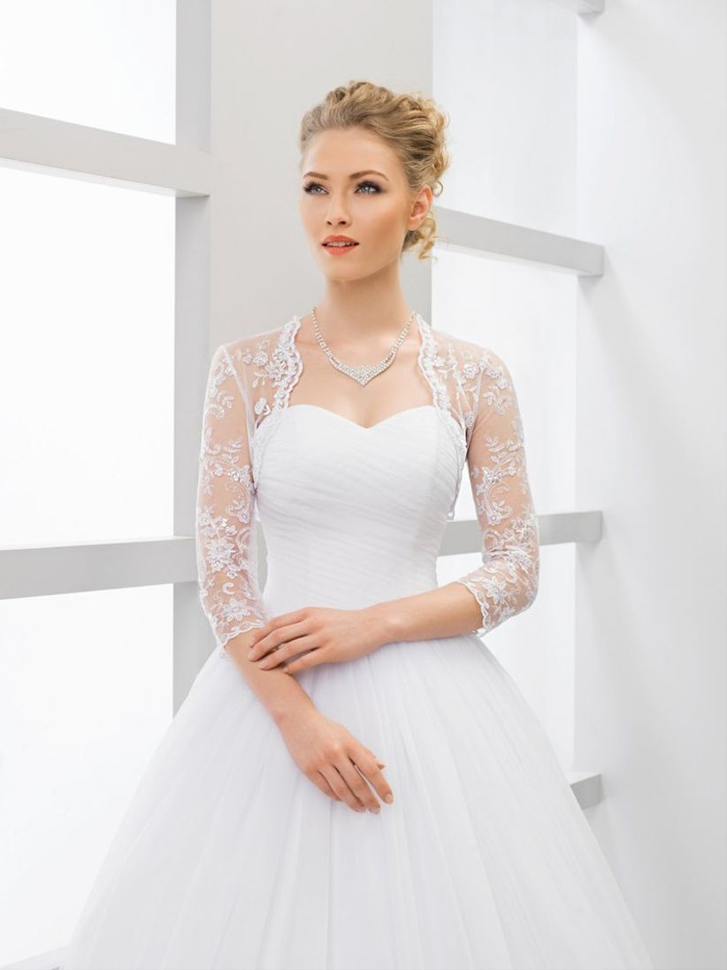 74763403aa9 9 Bridal Accessories You ll Need on Your Wedding Day - WeddingWire