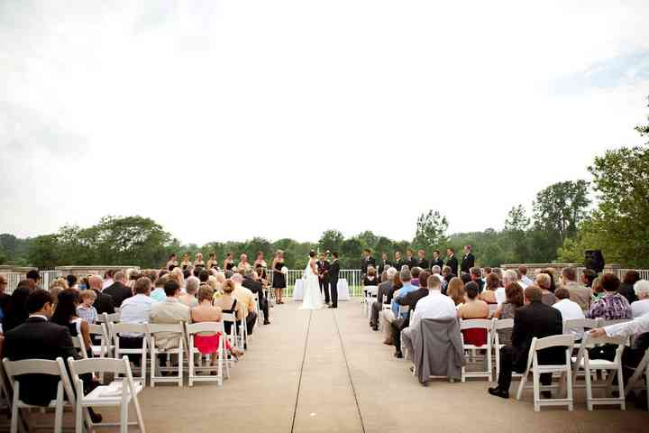 8 Outdoor Wedding Venues Near Indianapolis From Vineyards To