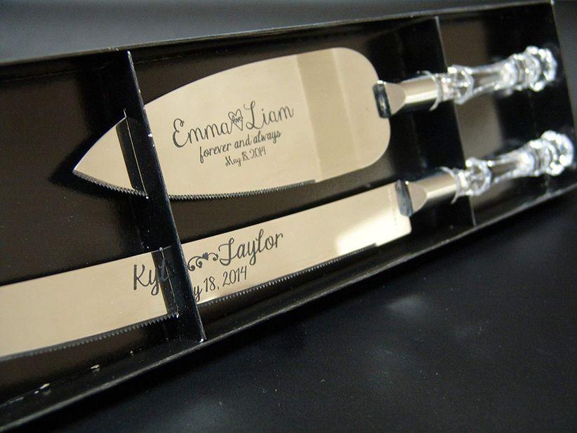 engraved cake server