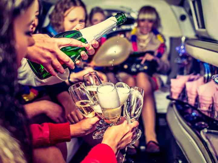 How to Throw a Bachelorette Party in Your 30s
