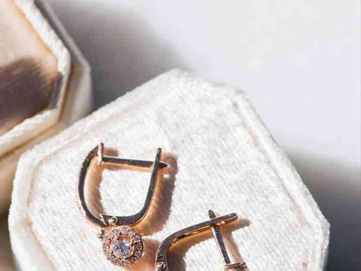14 Rose Gold Wedding Earrings For a Romantic Bridal Look