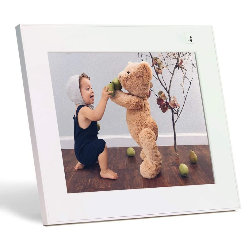 aura picture frame