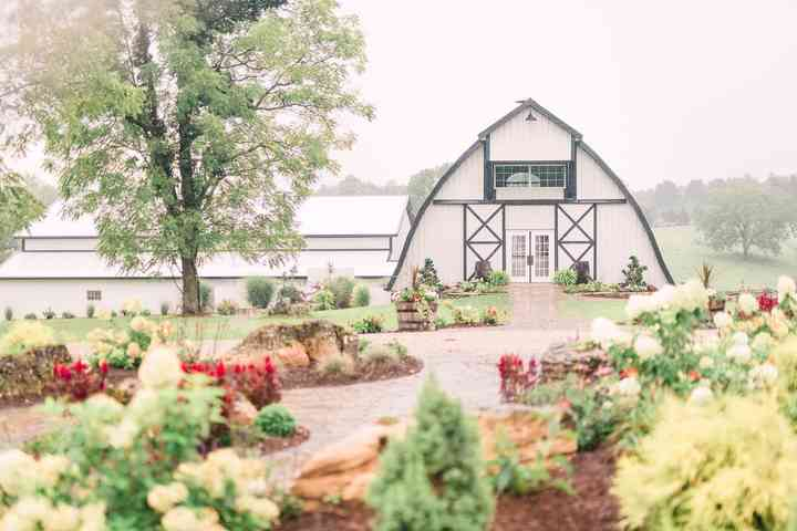 10 Barn Wedding Venues In Indiana For A Laid Back Event Weddingwire