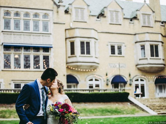 10 Unique Wedding Venues in Indianapolis for Super-Cool Couples