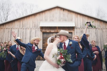 10 Barn Wedding Venues in Indiana for a Laid-Back Event