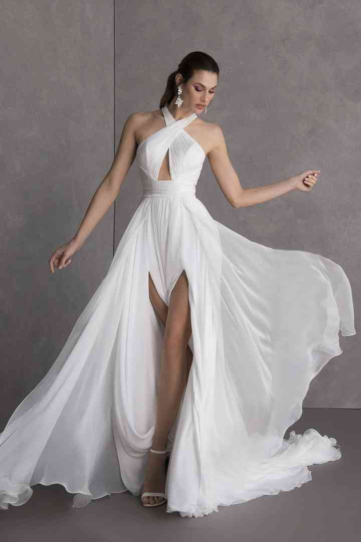 20 Beach Wedding Dresses For Easy Breezy Style Weddingwire