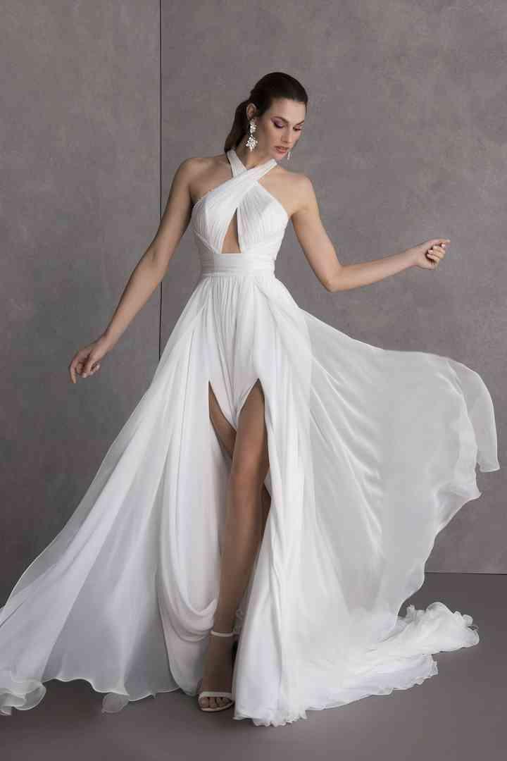 20 Beach Wedding Dresses For Easy Breezy Style Weddingwire
