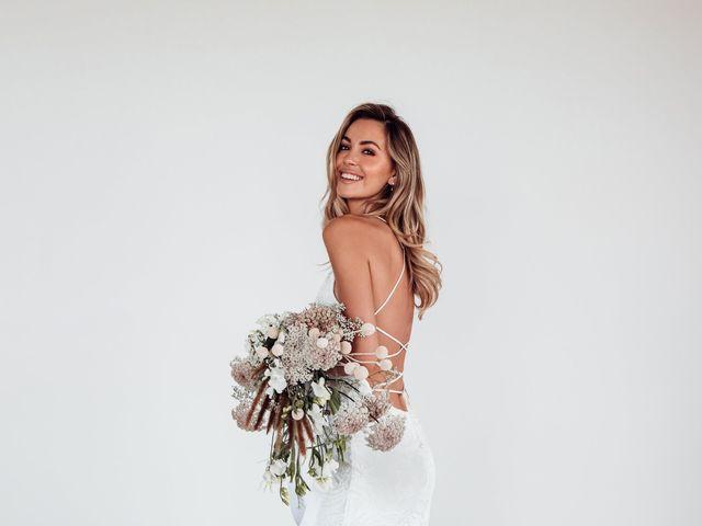 20 Beach Wedding Dresses for Easy, Breezy Style